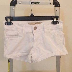 Hollister White Short-short low-rose shorts